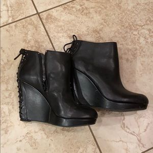 Gianni bini wedge booties